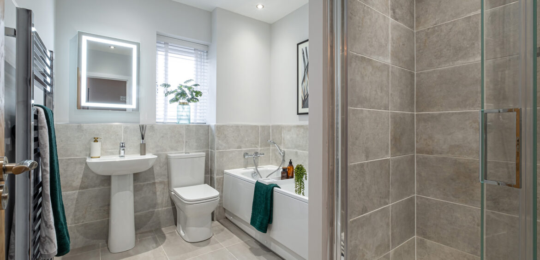 Clermont Branston Leas Family Bathroom