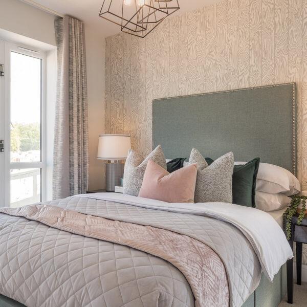 Heiro Heathy Wood Bedroom 2