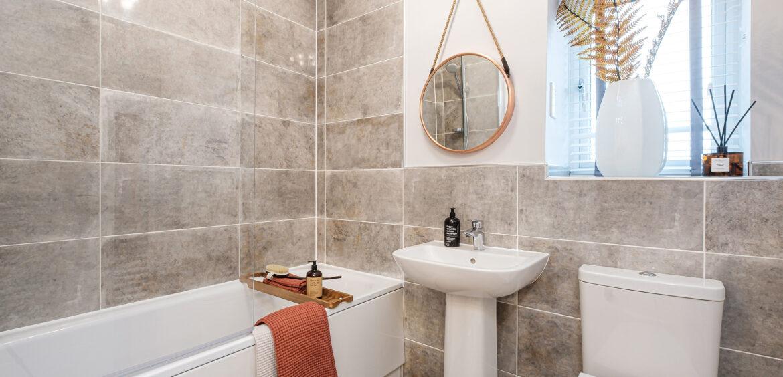 Chad (Hallvard) Branston Leas Bathroom