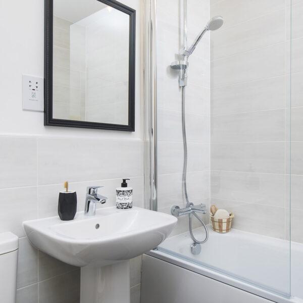 Beech (Mirin) Master Bathroom
