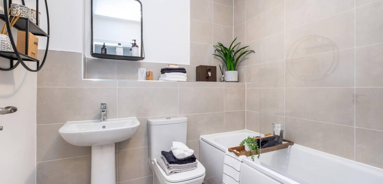 Kemble (Agatha) Family Bathroom