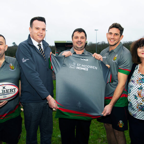 Dunvant RFC scores new shirts with help from St. Modwen Homes