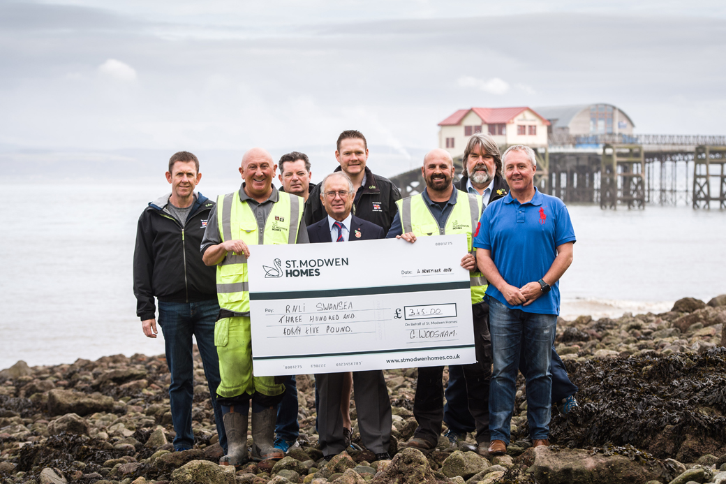 St. Modwen Homes Presents £345 to The Mumbles Lifeboat Station